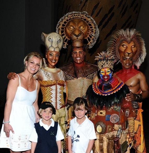 Britney Spears, Jayden James & Sean Preston with Kissy Simmons, Derrick Williams, Ntsepa Pitjeng & Jelani Remy at THE LION KING, Las Vegas
