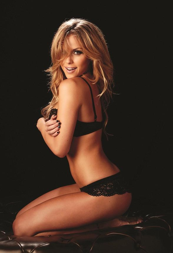 Ring Girl Knockout Brittney Palmer to Celebrate New Year's Weekend and UFC 155 at Chateau Nightclub
