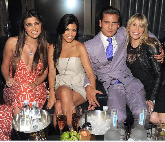 Brittny Gastineau, Kourtney Kardashian, Scott Disick and Lisa Gastineau at Chateau Nightclub