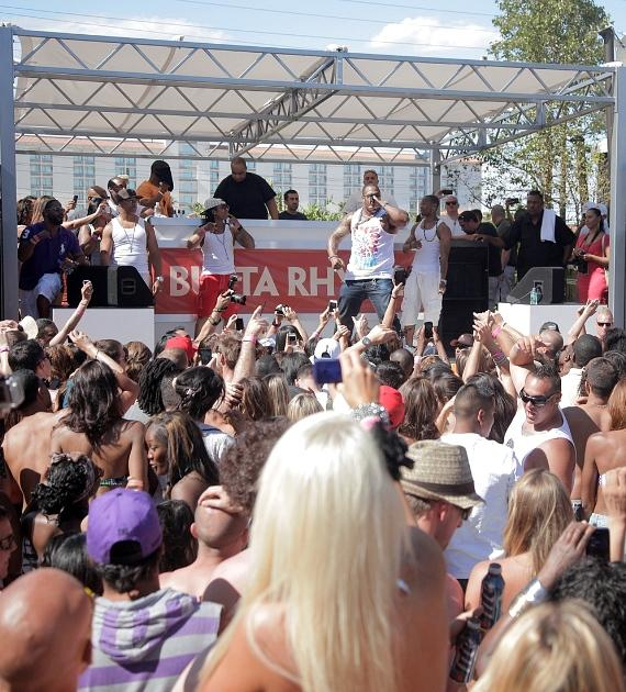 Busta Rhymes with crowd at Palms Pool Saturday 