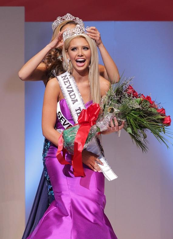 ssa Morrow of Seven Hills is crowned as the new 2016 Miss Nevada Teen USA