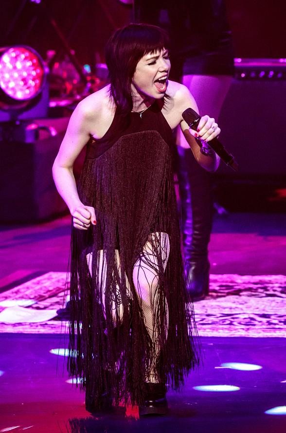 Carly Rae Jepsen kicks off New Year's Celebrations at The Venetian Las Vegas