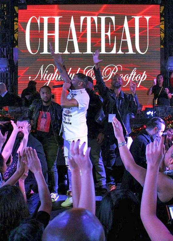 Chateau Ginuwine performs at Chateau Nightclub