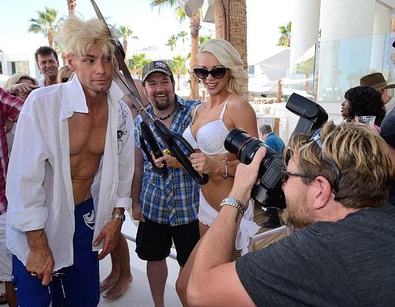 Chloe gives Murray a trim as STRIPLV publisher Scott P. Santodonato captures the moment