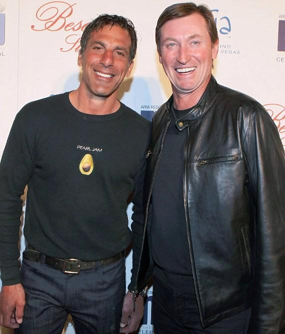 Chris Chelios and Wayne Gretzky at BESO for MJCI