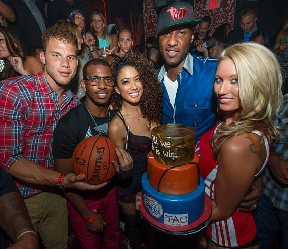 Chris Paul, Blake Griffin, Grant Hill, Lamar Odom with TAO Cake