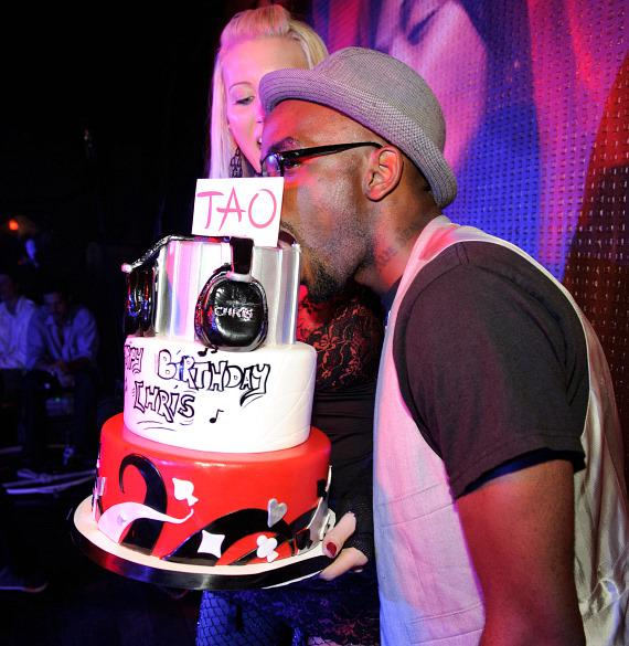 Chris Young with cake at TAO