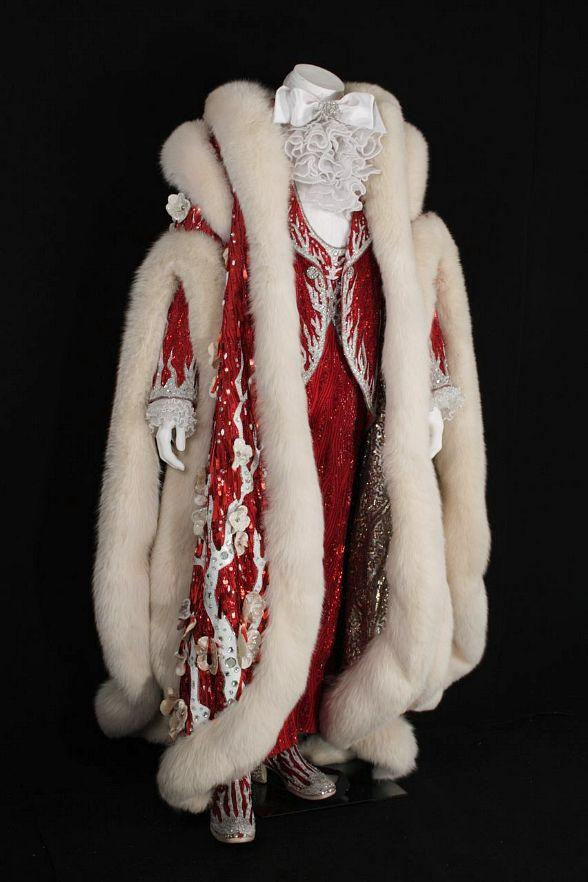 Liberace's Christmas cape