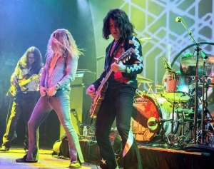 Led Zeppelin 2 to perform at Mandalay Beach along with The Australian Pink Floyd Sept. 4