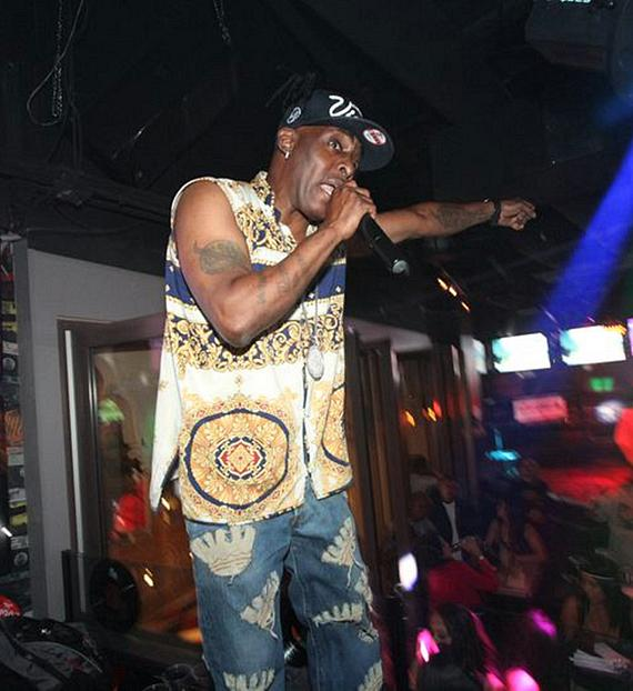 "Coolio performs ""Gangsta's Paradise"" at Rockhouse"