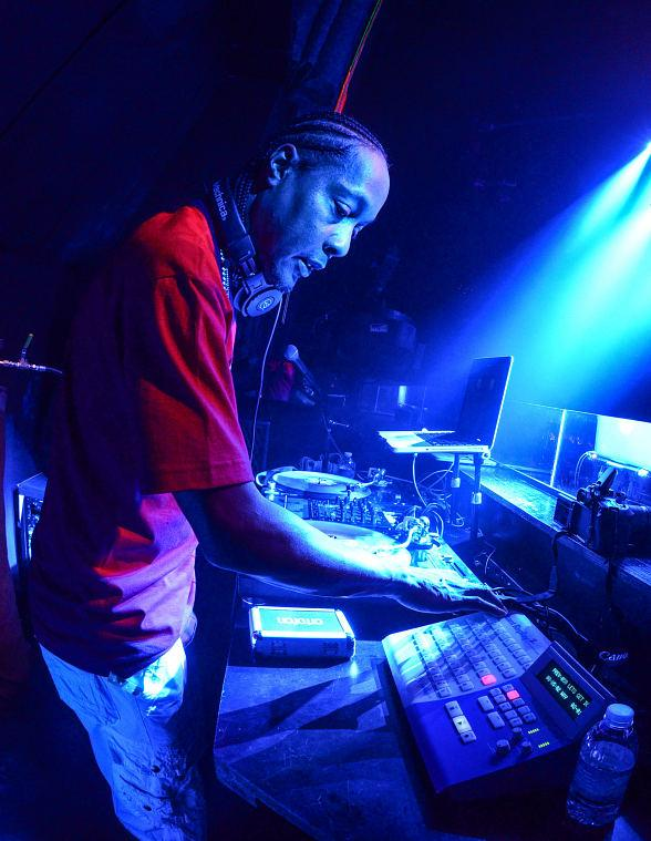 DJ Quik Brings His Slick Flow to LAX Nightclub for Throwback Thursday