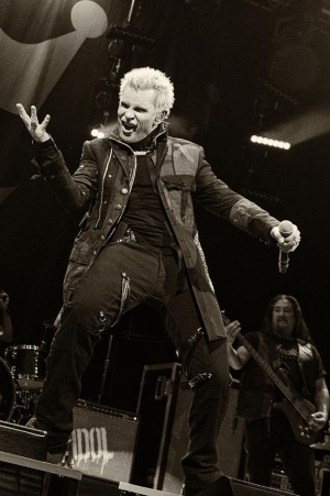 Billy Idol celebrates Three Decades of Punk, Rock & Pop with a residency at House of Blues Las Vegas