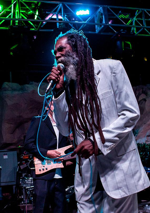 Don Carlos &amp; Friends perform in Soundwaves Concert Series at Hard Rock Hotel in Las Vegas