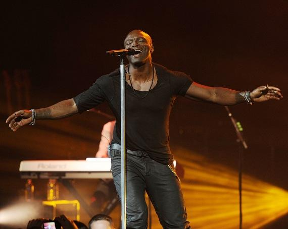 Seal performs at The Pearl at Palms Casino Resort