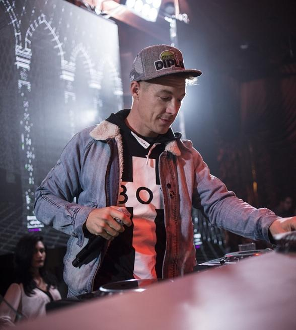 "DJ Diplo Receives Nightclub & Bar 2014 ""Resident DJ of the Year"" Award at Surrender Nightclub"