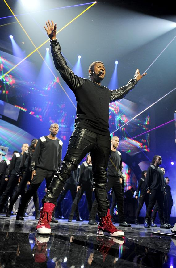 Usher performs at 2012 iHeartRadio Music Festival