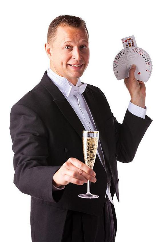 "22 Year Army Veteran 'David Chandler' to Guest Star in ""Murray the Magician"" Show at Planet Hollywood This Week"