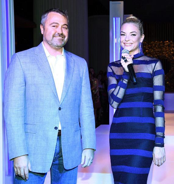 Delano Las Vegas' general manager Matthew Chilton and event host Jaime King welcome guests to the boutique property's grand opening bash