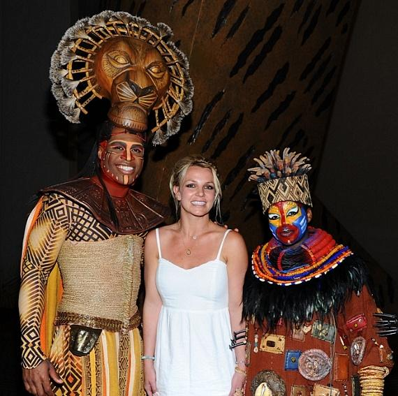 Derrick Williams, Britney Spears & Ntsepa Pitjeng at THE LION KING at Mandalay Bay, Las Vegas