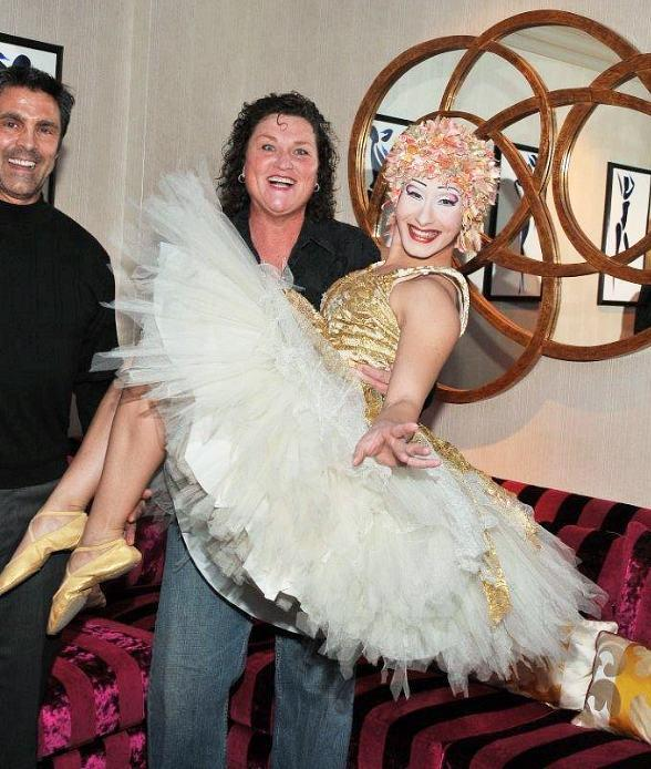 "Dot Jones Celebrates 50th Birthday at ""O"" by Cirque du Soleil"