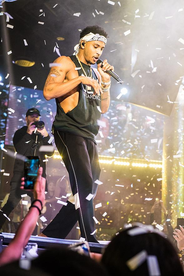 Trey Songz Kicks Off New Year's Eve Weekend with 2017 Farewell Performance at Drai's Nightclub Las Vegas