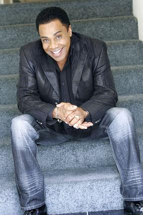 Showman Earl Turner Returns to the Suncoast Showroom November 2-3