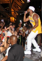 Hip-Hop Artist Eric Bellinger Performs at Chateau Nightclub & Rooftop in Paris Las Vegas