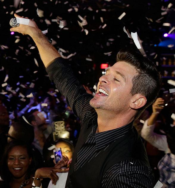 Robin Thicke hosts New Year's Eve inside SLS Las Vegas