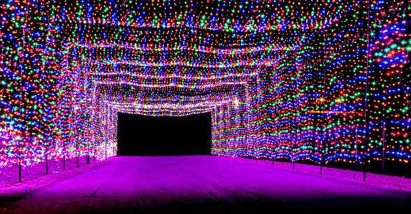 Glittering lights at las vegas motor speedway to for Motor speedway las vegas christmas lights