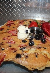 "Hash House a Go Go Honors Old Glory with a Red, White & Blue ""Flag-Jack"" July 1-4"