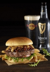 Hard Rock Cafe Las Vegas says Sláinte to Sweet and Savory Flavors with New Burger and Beer Pairing
