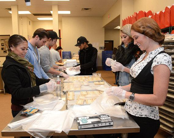Hakkasan Las Vegas gives back with volunteer activity at Three Square Food Bank