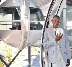 """""""Starsky and Hutch"""" Actor Antonio Fargas Enjoys the Best Views of Las Vegas from the High Roller"""