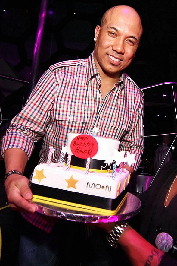 Hines Ward with birthday cake at Moon Nightclub