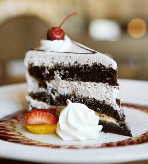 Chocolate Lovers Unite at Hofbräuhaus Las Vegas for National Black Forest Cake Day March 28