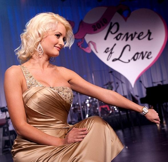 Power of Love Benefit: Holly Madison, Barry Manilow, Brad Garrett, Danny DeVito, Andre Agassi
