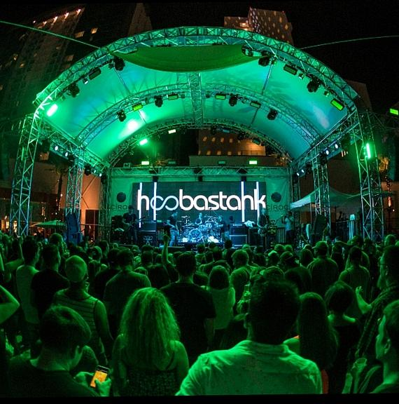 Hoobastank performs to a packed house