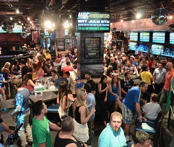 Hundreds of fans at UFC Brazilian Fan Party