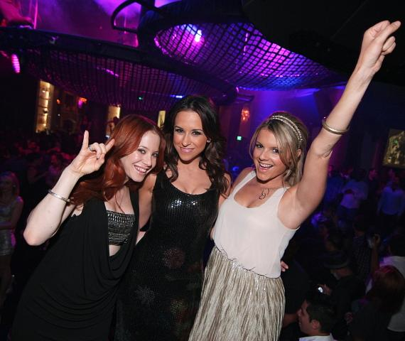Lacey Chabert celebrates her birthday with friends in Las Vegas