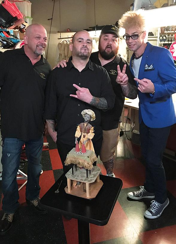 "Comedy Magician Murray SawChuck Returns to History's ""Pawn Stars"" for his 10th Season as The Magic Expert"