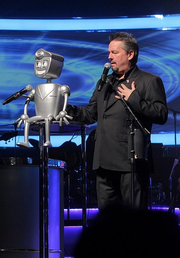 "Terry Fator Launches New Character ""Rusty the Robot"" in Conjunction with 6th Anniversary at The Mirage in Las Vegas"