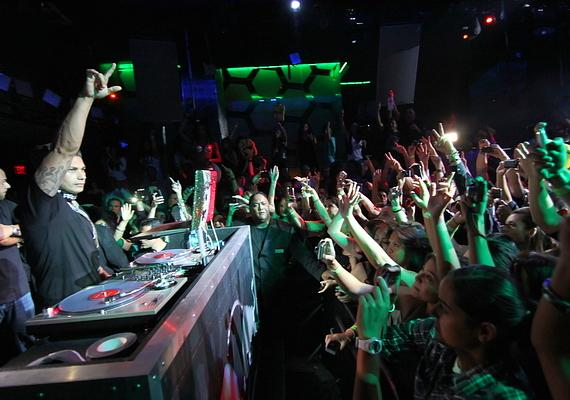 DJ Pauly D spins at Moon Nightclub