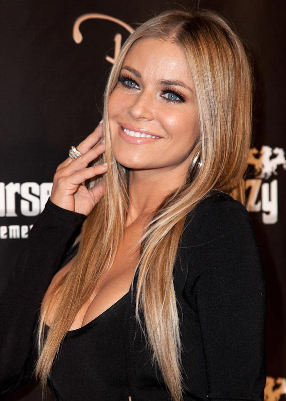 Carmen Electra poses on red carpet at Crazy Horse III