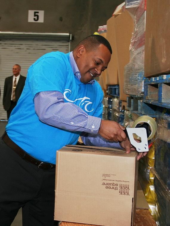MGM Resorts Employees donate nearly one million pounds of canned food to Three Square Food Bank