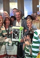 Rod Stewart Invites Fans to Gordon Ramsay Pub & Grill at Caesars Palace