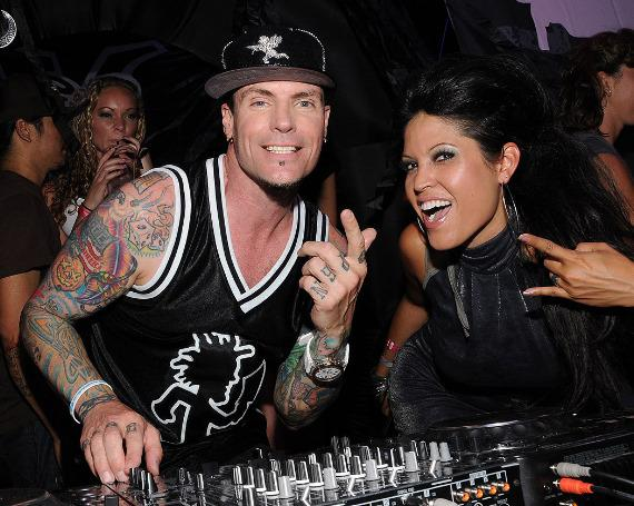 Vanilla Ice performs at Harrah's Carnaval Court