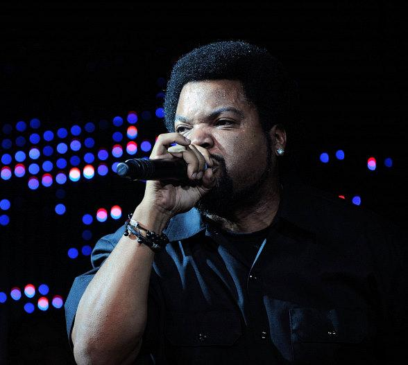 Ice Cube Performs at Chateau Nightclub &amp; Gardens in Las Vegas 