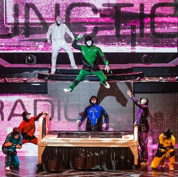 """PRiSM"" by the Jabbawockeez"