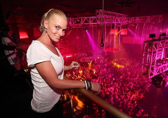 Jaime Pressly at Rain Nightclub