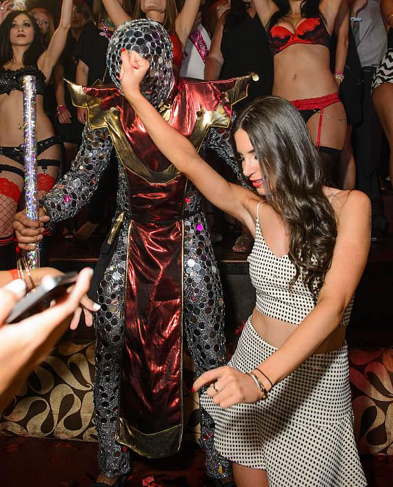 Jen Selter with Mirror Man at TAO
